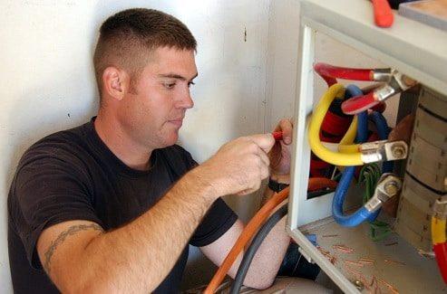 Mercado de trabalho para Engenheiro Eletricista e Técnicos em Elétrica