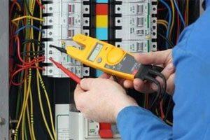 alicate-amperimetro-na-industria